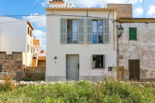 Exterior view of this wonderful town house in Alqueria Blanca