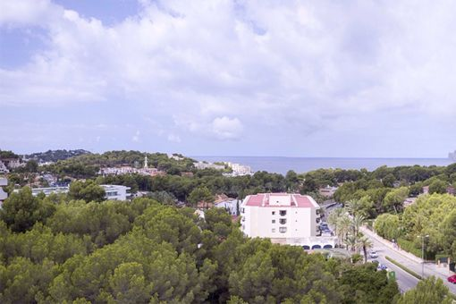 Attractive building plot for the construction of a hotel in a prime location with sea views