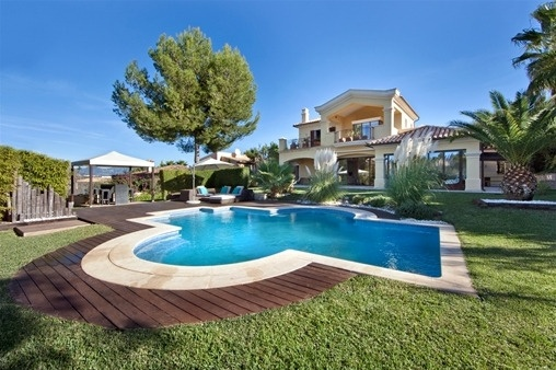 Luxury villa in excellent location in Santa Ponsa
