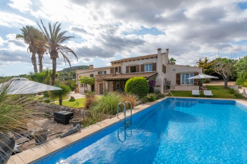 Mediterranean finca in the picturesque landscape of S'Alqueria Blanca with sweeping views as far as the sea