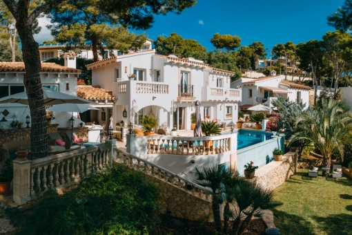 Mediterranean villa with separate guest house and beautiful views over the harbour of Port Andratx
