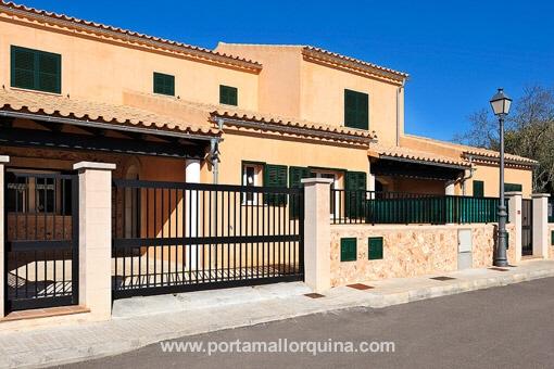 Huis in Pina