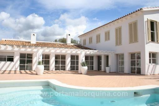 Villa in prime location with marvelous views to the bay of Puerto Andratx