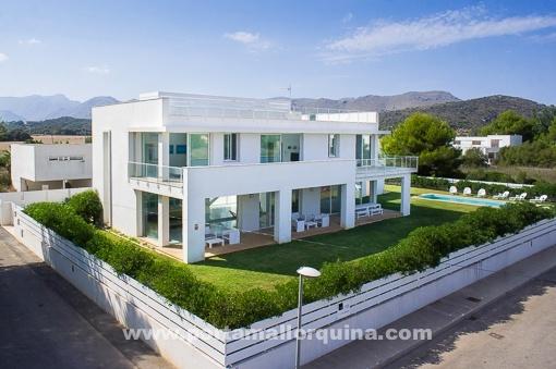 Fantastic, minimalist new-built villa near to the sea, at Puerto Pollensa.