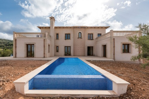 Newly-built country house with beautiful views in Son Macia
