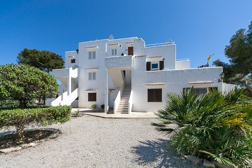 Sea view flat in Es Forti with spacious roof terrace