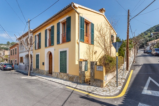 Refurbished village house in Esporles