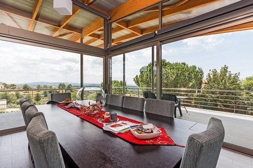 Inviting dining area with spectacular views of the surrounding