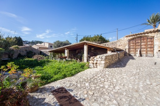 Interesting property for lovers of the exceptional