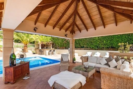Fantastische villa onderaan de heuvel van Costa d'en Blanes