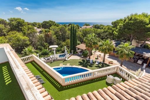 Luxurious Mediterranean-style villa with unique garden oasis and sea views