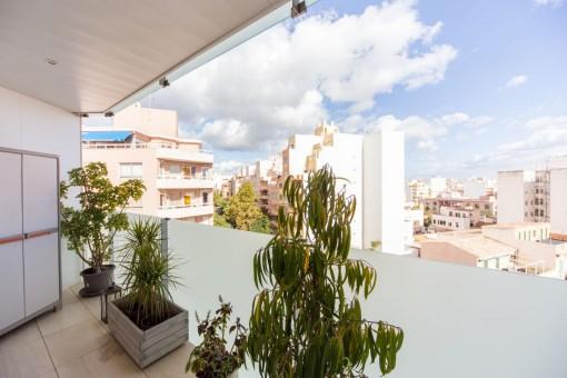 Balcony with Palma views