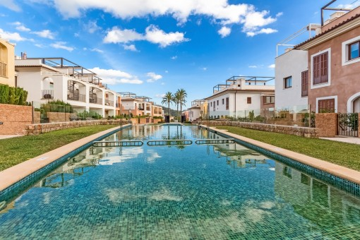 Terraced house with fantastic panoramic views on the golf course of Camp de Mar