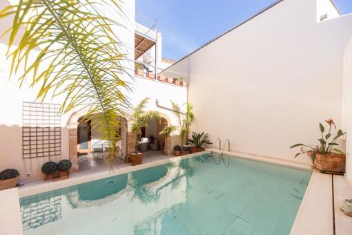 Dreamlike patio with pool