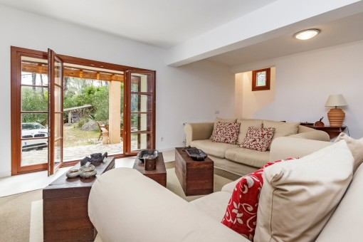 The property has a living space of 160 sqm