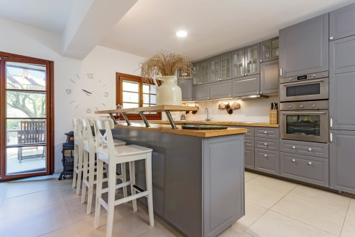 Familiar-friendly kitchen