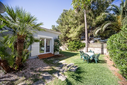 Idyllic and private garden with more than 200 sqm