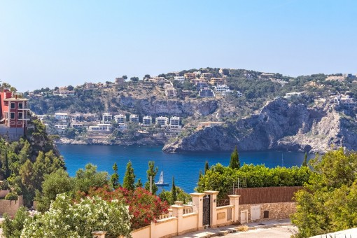 Elegant apartment with 3 bedrooms and sea views in Port Andratx