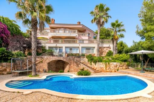 Schitterende villa met veel ruimte - uitzicht op Palma en op de zee