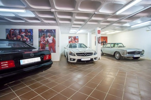Garage for 5 cars
