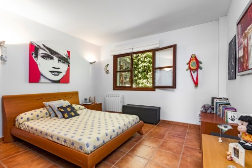 Large bedroom with heating