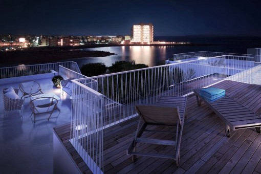 Wonderful sea views from the roof terrace and the infinity pool