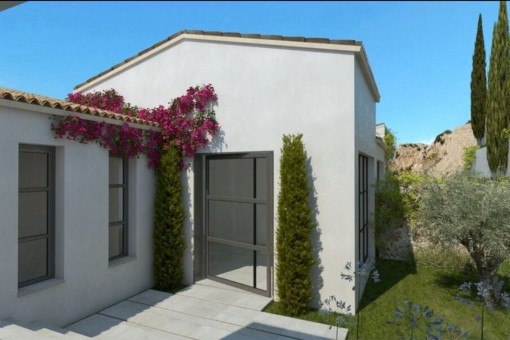 Friendly entrance to the villa
