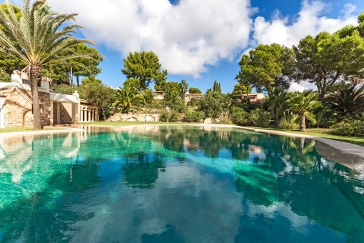 Impressive communal pool