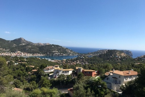 Gorgeous views over the bay and the harbour of Andratx