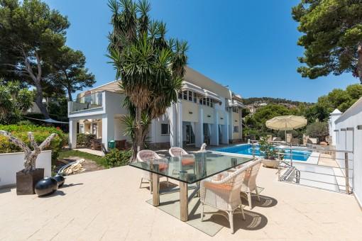 Fantastische villa met uitzicht op zee tot aan de baai van Palmanova