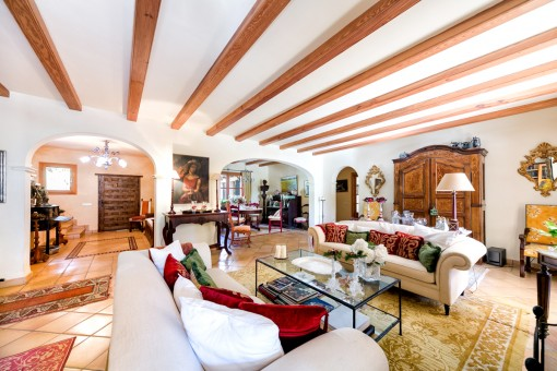 Spacious and open living and dining area