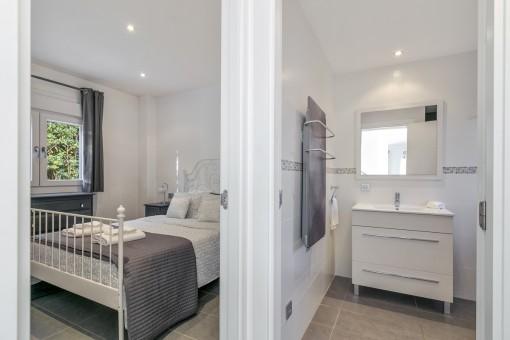 One of 4 beautiful bedrooms with bathroom en suite