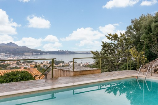 Terraced house with wonderful panoramic views over the bay of Pollensa in an exclusive, secure complex