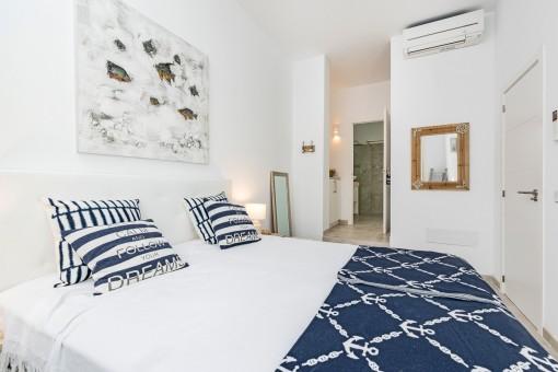 The double bedroom offers bathroom en suite
