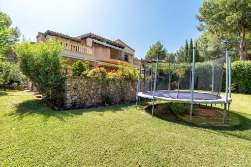 A beautiful 7-bedroom detached villa in a lovely urbanization near Santa Ponsa Golf Club