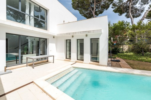 5-bedroom villa with swimming pool near the Club Nautic of Santa Ponsa