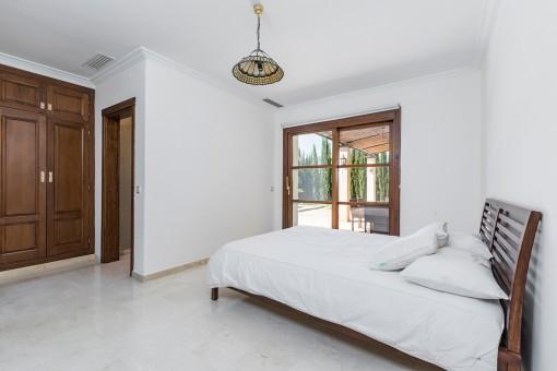 Beautiful double-bedroom with bathroom en suite
