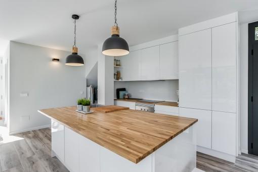 Elegant kitchen in white