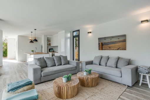 Alternative view of the open living area