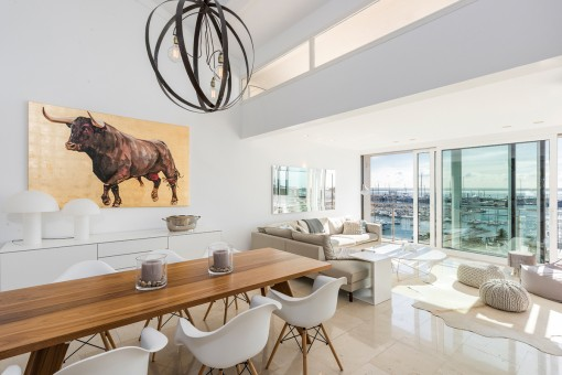 Exclusive penthouse-gallery apartment with wonderful sea views in Palma