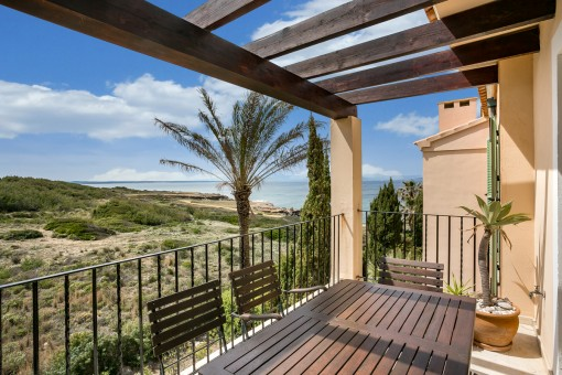 Beautiful penthouse in a luxurious residential complex on the first sea line in Betlem
