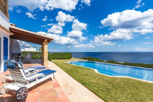 Attractive Mediterranean style frontline villa with spectacular far reaching sea views in Cala Serena