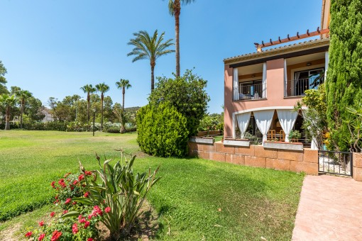 Fabulous semi detached house with pool view in one of the best communities in Santa Ponsa