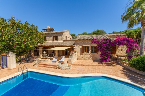 Captivating natural stone finca with pool and fantastic far reaching views in Son Macia