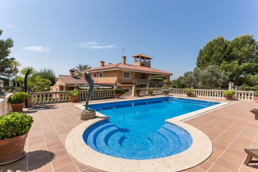 Villa property in Puntiro: exclusive, spacious...