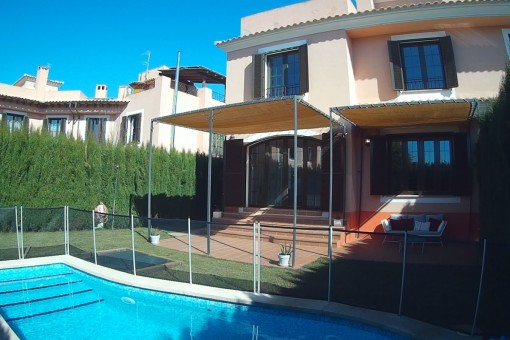 Spacious semi-detached house in a lovely residential area in Puig de Ros