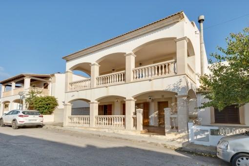 Spacious villa house 100 metres from the sea in Sa Ràpita
