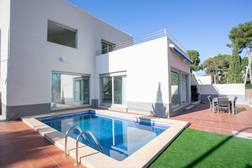 Well-maintained detached house in a prime location in Cala Ratjada