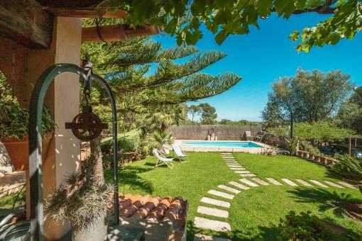 Enchanting finca with pool in 'Bella Vista'