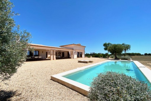 Luxurious, newly-built finca with 77.000 sqm of land in Llucmajor